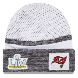 Zimní čepice New Era Tampa Bay White Super Bowl LV Bound Sideline Cuffed Knit Hat